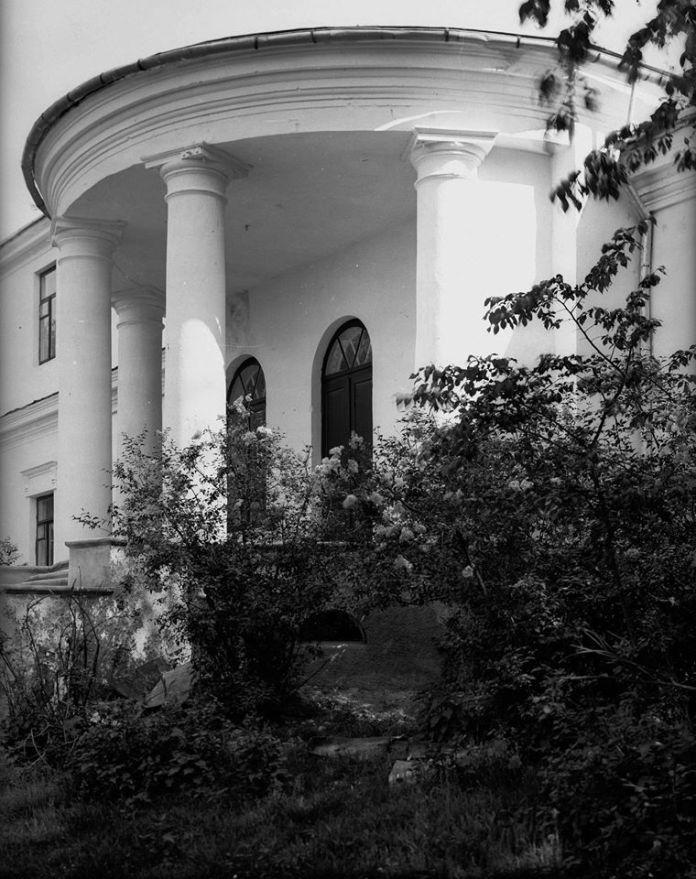 """""""Гірка"""", фрагмент будівлі Окружного суду (колишнього палацику Любомирських), фото Генрика Поддембського"""