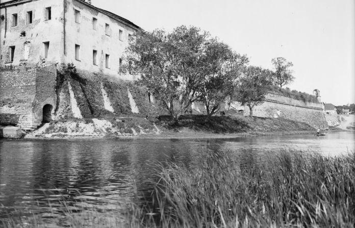 Дубно, вид на фортецю і замок Любомирських
