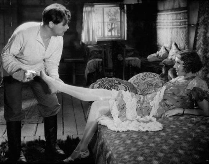 Альма Кар в фільмі «Іграшка» (1933)