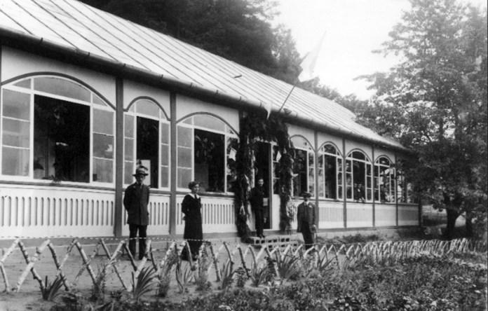 Будівля санаторію в Голоску, поч. ХХ ст.