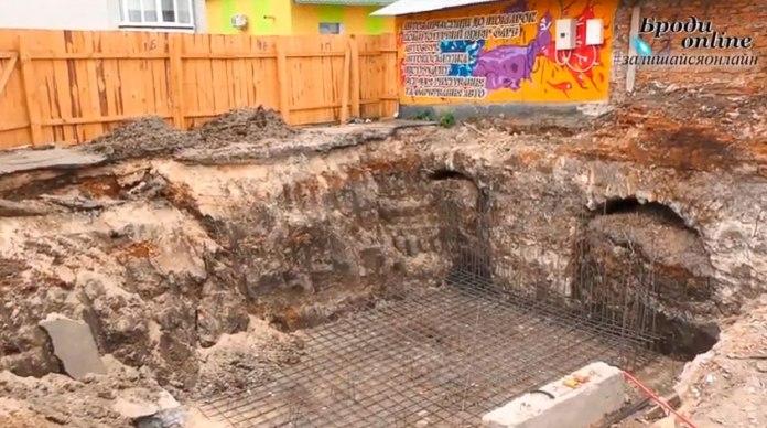 Віднайдені в м.Бродах стародавні мури
