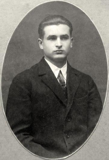 Нестор Горницький – тенор-соліст, диригент, віолончеліст і контрабасист. фото з родинного архіву Наталії Миронюк.