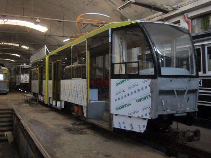 Відновлення трамвайного вагона «Tatra KT4SU» № 1100. Кінець 2016 р.