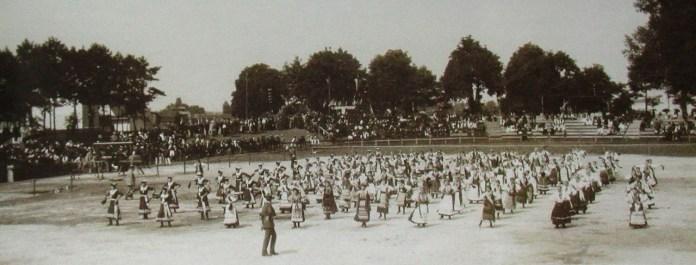 Під час проведення ювілейного Шевченківського здвигу (28–29 червня 1914 р.)