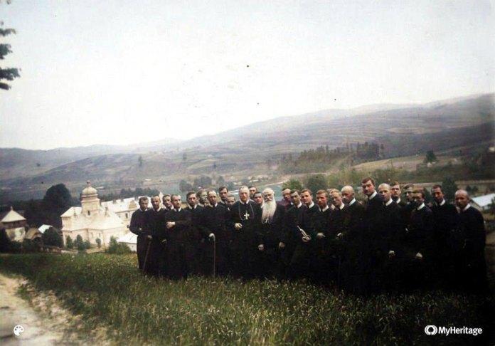 Село Лаврів, 17 травня 1937 р., архів ЧСВВ, колоризація Б. Зятик.
