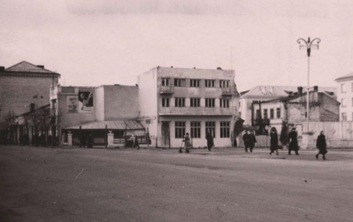 """Вулиця Сталіна, ресторан """"Весна"""", 1948 р"""