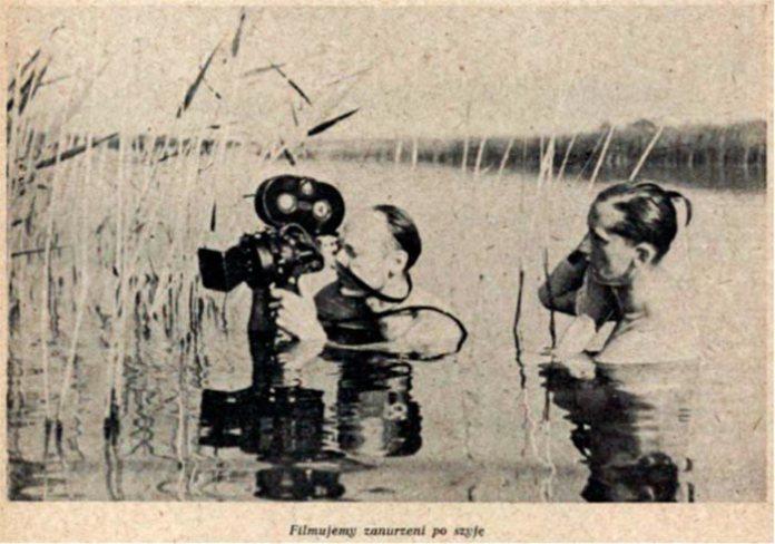 """Підпис під фото """"Знімаємо по шию у воді"""". """"Перший польський фільм з життя птахів""""[38]"""