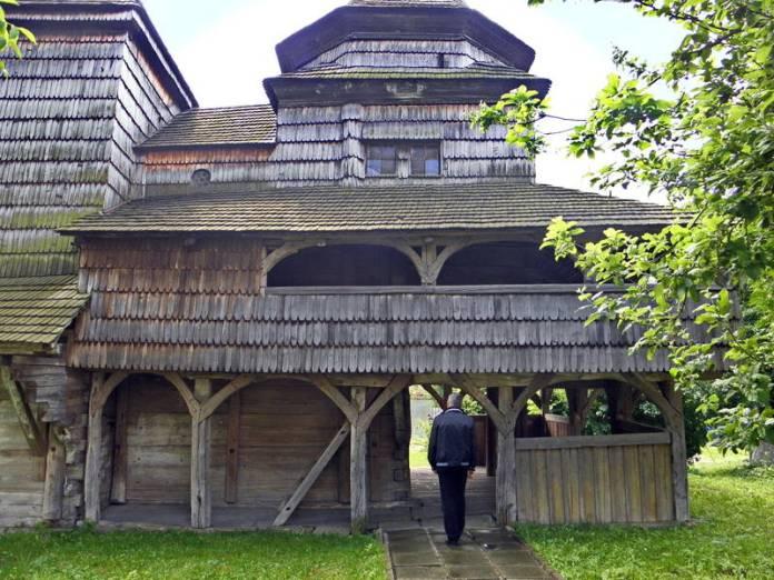 Церква Воздвиження Чесного Хреста в Дрогобичі