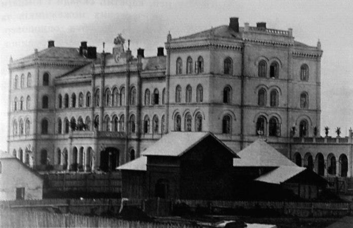 Вокзал Львівсько-Чернівецько-Ясської залізниці у Львові. Фото кінця ХІХ століття