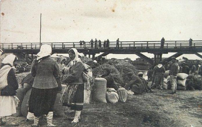 Пристань біля мосту Бена (на Шевченка)