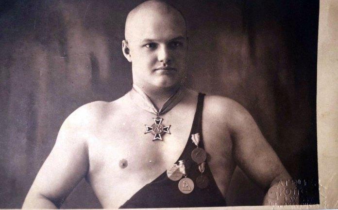 Гімнаст зі Львова, 1930-ті роки.