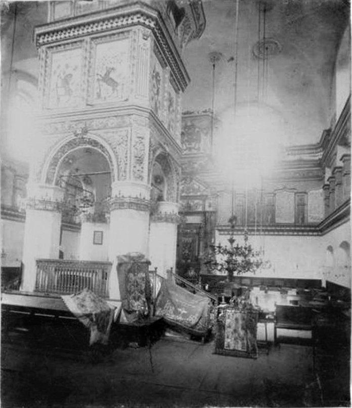 Інтер'єр луцької синагоги, 1920-ті роки.