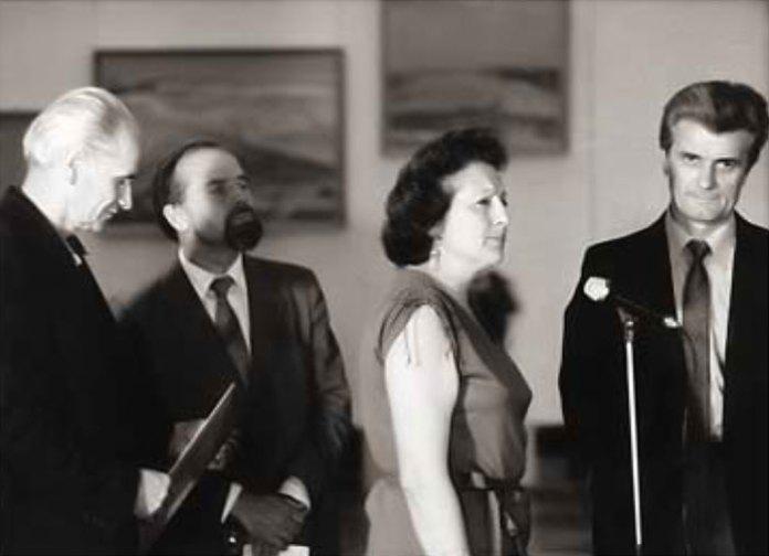 Зліва на право Б. Возницький, Й. Садовський, О. Ріпко, З. Флінта на відкритті персональної виставки, 1985 рік