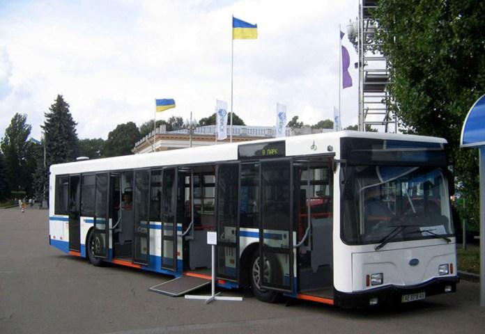 Автобус ПМЗ А181, побудований за проектом НДІ «Укравтобуспром» «Тур А181». 2006 р. Фото Антона Гагена