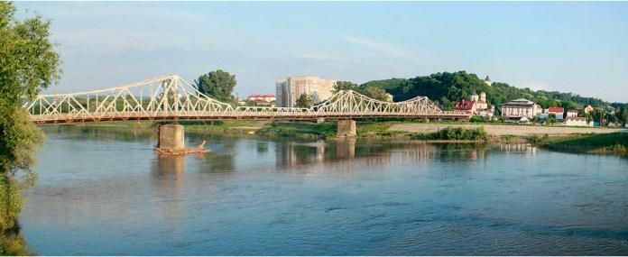 Міст у Галичі (з сайту www.karpaty.info)