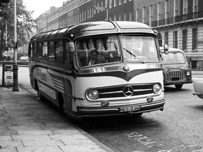 Німецький автобус «Mercedes-Benz O 321 HL» конструкція якого лягла в основу розробки автобуса ЛАЗ-695