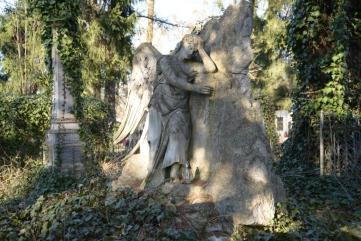 Надгробок скульптора Юліана Марковського