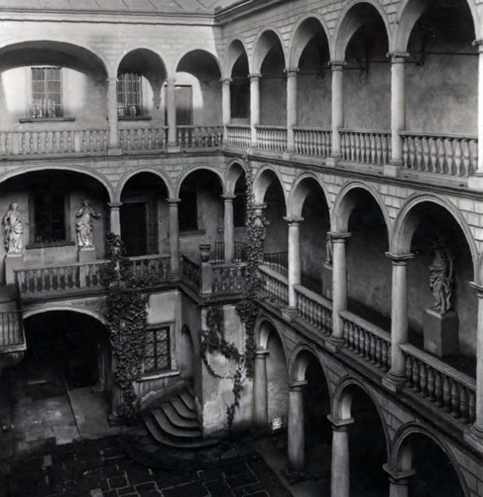 Італійський дворик. Львів, 1920-1930-ті рр.