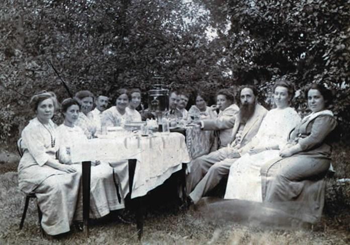Недільне чаювання у Штейнгелів