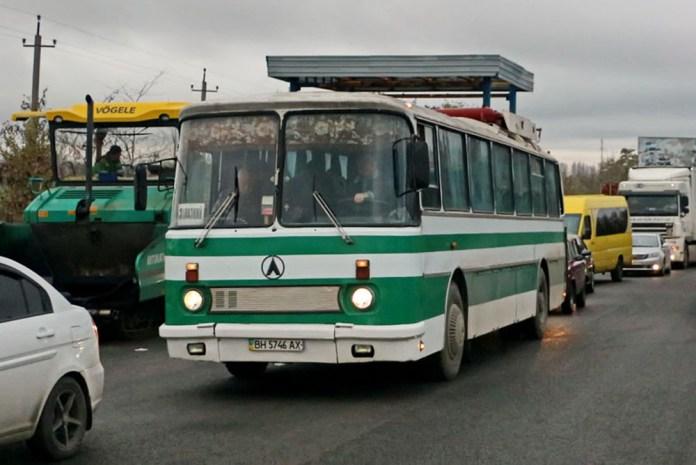 Серійний автобус ЛАЗ-699РГ, оснащений газобалонним обладнанням. Сучасне фото Олександра Вельможка