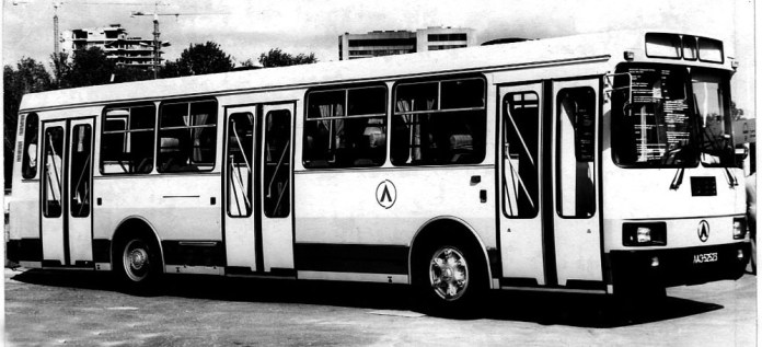 Модифікація ЛАЗ-52523 із дизельним двигуном «Renault MIDR 06.02.26»