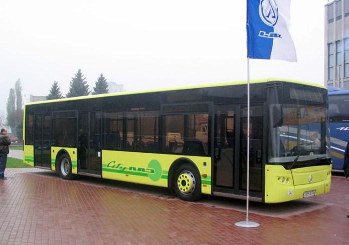 Прототип низькопідлогового міського автобуса ЛАЗ А183, представлений на автосалоні SIА-2004 у Києві. Від серійної моделі відрізняється середніми дверима, зміщеними у хвостову частину автобуса