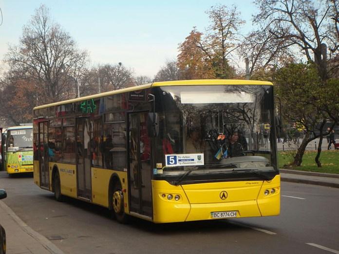Серійний автобус ЛАЗ А183 у Львові. Сучасне фото