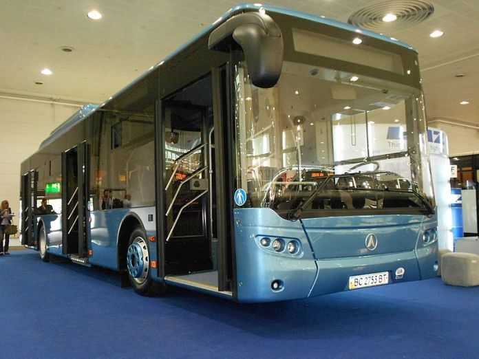 Прототип автобуса ЛАЗ A183NG, який працює на природному газі. Фото 2012 р.