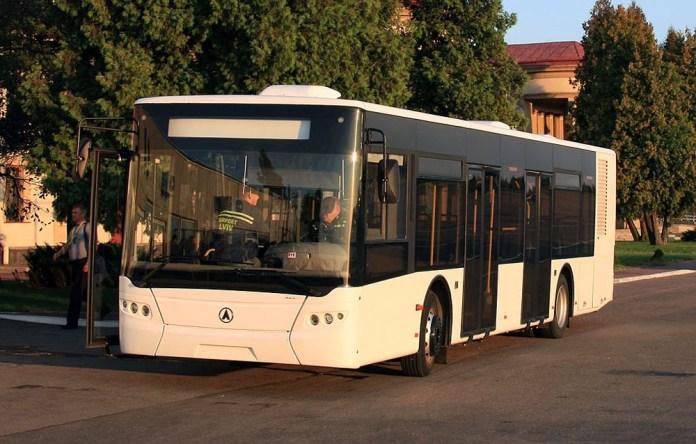 Перонний автобус для експлуатації у аеропортах моделі AeroLAZ  (ЛАЗ AX183D), розроблений на базі моделі ЛАЗ А183