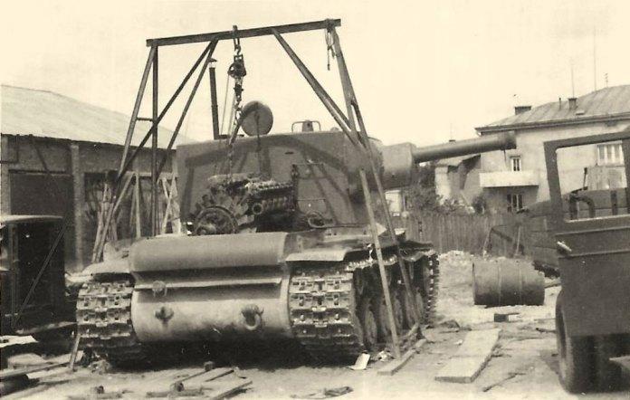 Львів, липень 1941 року,покинута радянська військова техніка.