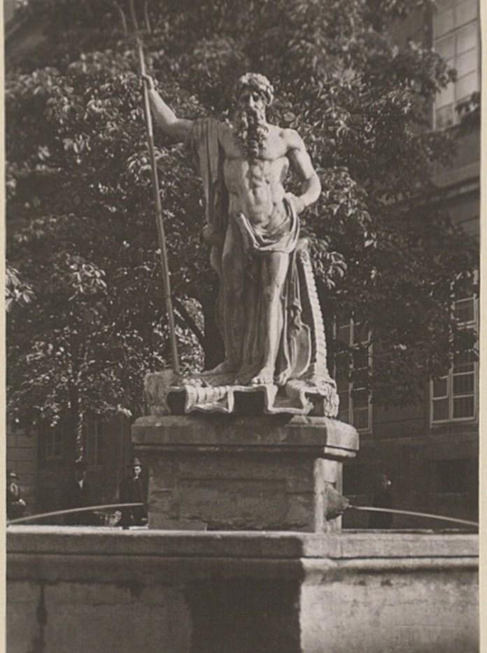 Скульптура Нептуна, 1921 р. Фото: Ян Булгак