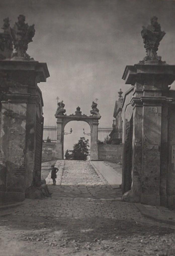 Вид з брами собору Св. Юра, 1921 р. Фото: Ян Булгак