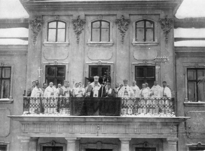 Спільне фото, зроблене у 1926 р. з нагоди 25 річчя інтронізації Андрея Шептицького на митрополичому троні Галицьких владик
