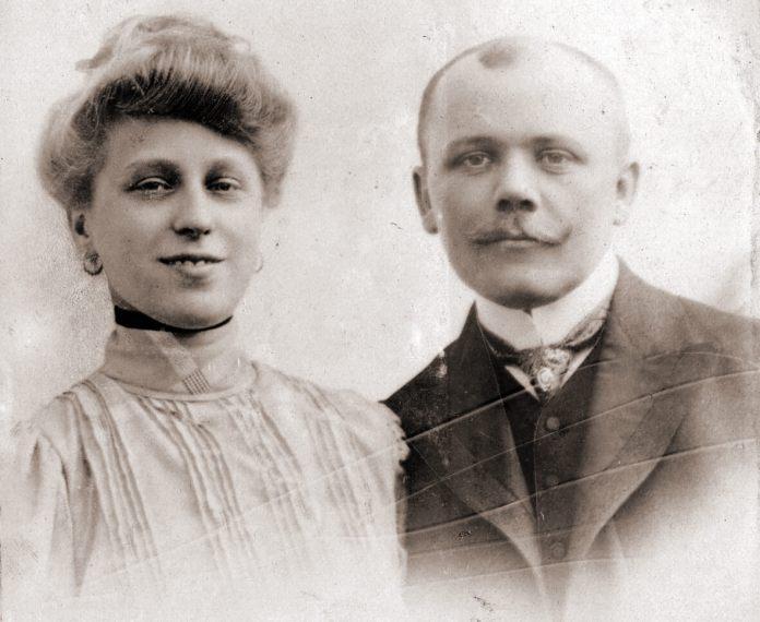 Степан Дмоховський з дружиною Теодорою з Подлуських, 1906 рік