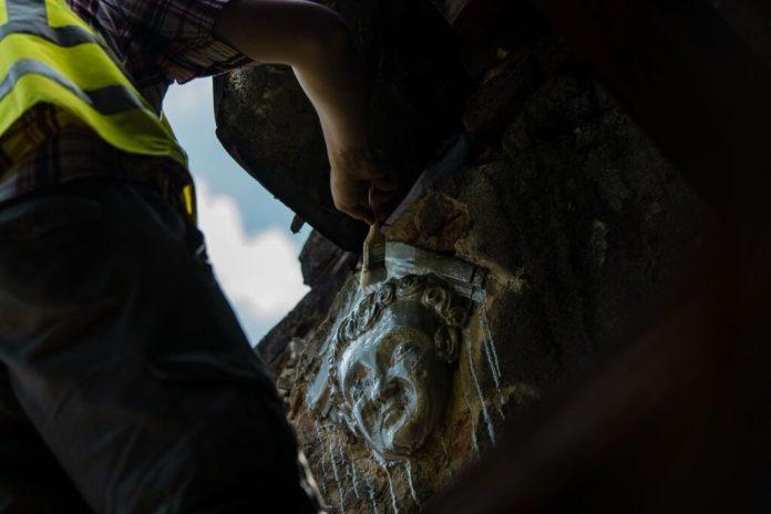 Віднайдений на Фабриці повидла маскарон. Автор Фото: Богдан Ємець