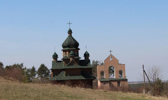 Церква в с. Козаки, квітень 2021 р.