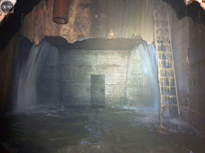 На протилежній стороні водоспаду