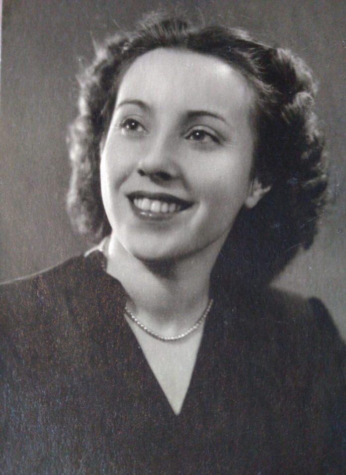 Алла Логошовець, 1954 рік