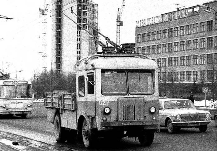 Бортовий тролейвоз ТГ-4 виробництва СВАРЗу в Москві. Початок 1970-х років
