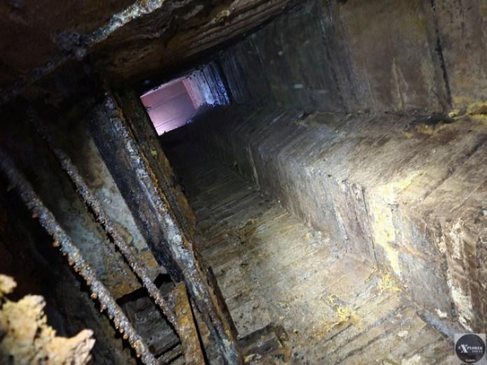 Наша глибина під землею більше дев'яти поверхів