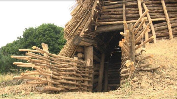Слов'янська хата X століття