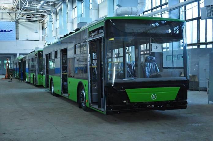 Складання тролейбусів ЛАЗ Е183А1 для Севастополя на ЛАЗі. 2011 р.