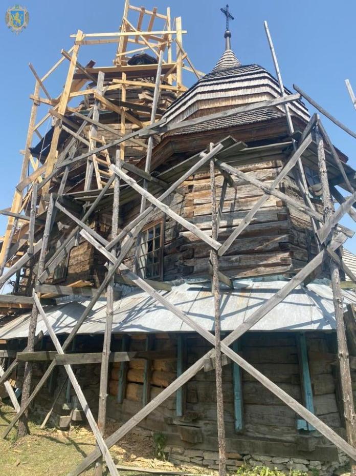 Реставрація дерев'яної церкву Собору Пресвятої Богородиці в селі Заболотці