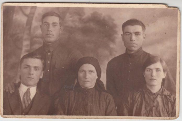 Родина Мельничуків, 1930-і роки
