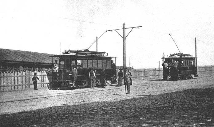 Перші електричні трамваї у Києві. 1892 р.