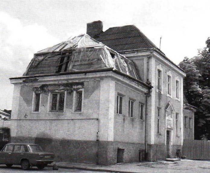 Будівля львівського автовокзалу дальнього сполучення на пл. Ярослава Мудрого (нині – Князя Святослава), який діяв в 1960-1970-ті рр. Фото кінця 2000-х рр.