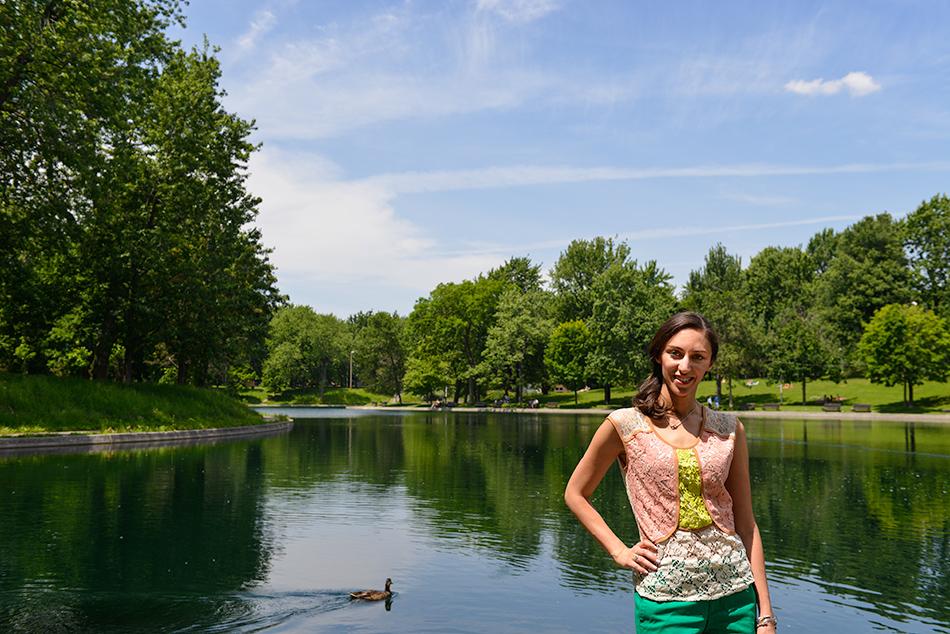Maryam in La fontaine Park