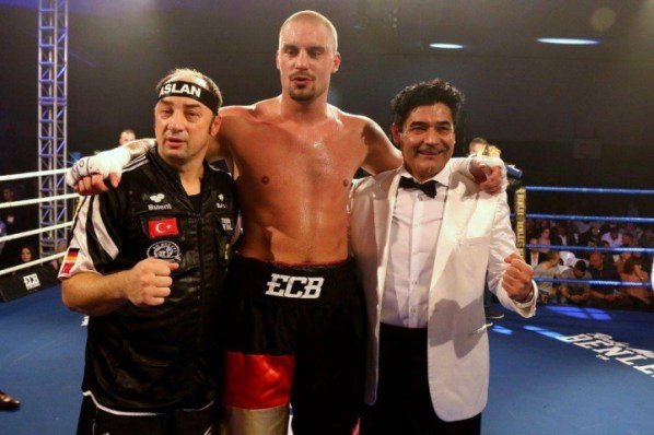 https://i2.wp.com/photo.boxingscene.com/uploads/adrian-granat_4.jpg?w=598&ssl=1