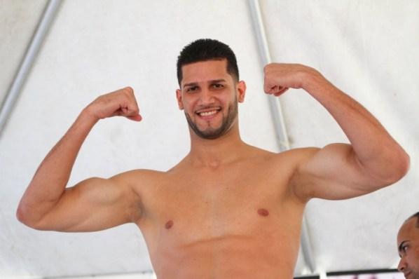 https://i2.wp.com/photo.boxingscene.com/uploads/carlos-negron.JPG?w=598&ssl=1