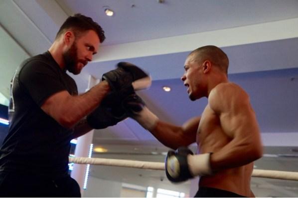 https://i2.wp.com/photo.boxingscene.com/uploads/chris-eubank%20(5).jpg?w=598